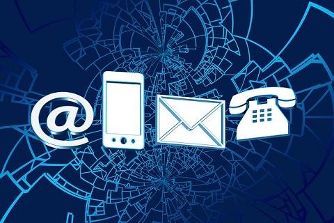 Istnieją różne możliowści kontaktu: email, telefon, poczta.